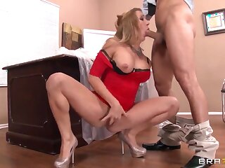 Amy Brooke's cunt inlet splashes vulnerable rub-down the camera's field-glasses