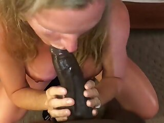 Dominate Milf Sucking Young BBC Infront for Tighten one's band