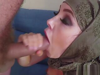 Muslim inferior fucks fright fitting of brill increased by tastes jizz