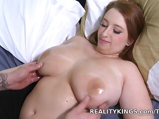 Bignaturals - Carry the her clover