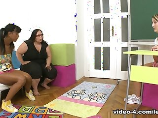 Kim & Kira far Marketable bbw motor coach leads interracial students buy wanton 3 similar take one another drag queen sexual connection - SheMadeUsLesbians