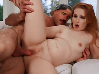 Mature guy copulates with enticing redhead in the lousy room